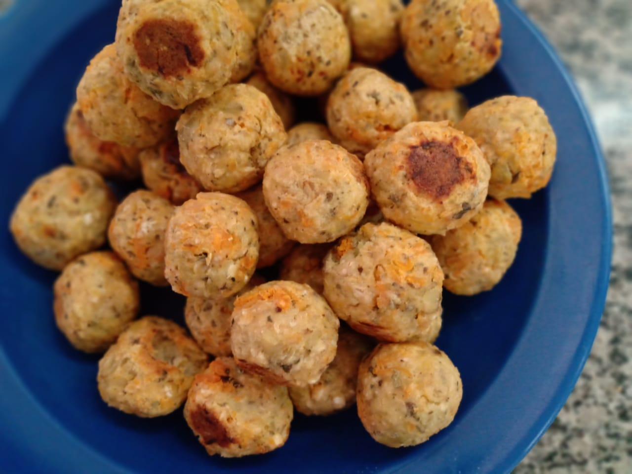 receita saudável de bolinho de batata doce com frango